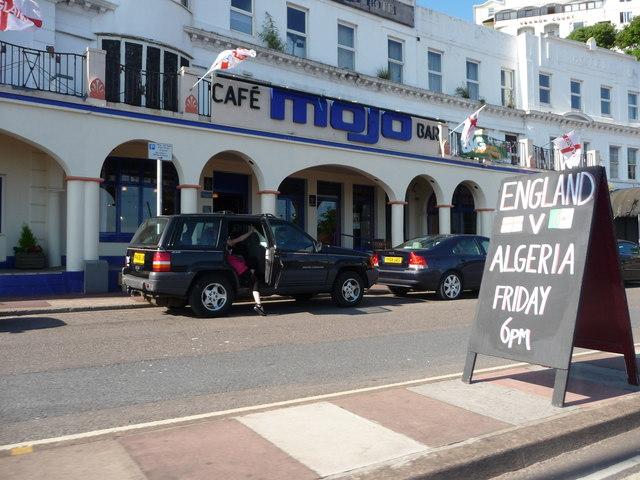 Torquay : Torbay Road & Cafe Mojo Bar