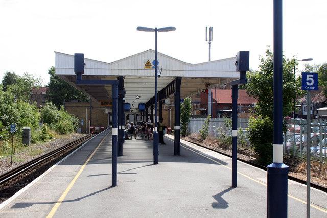 Hayes, Kent:  Station platforms