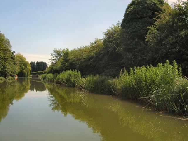 Kennet & Avon Canal near Dun Mill