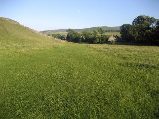 Dales Way below Grassington