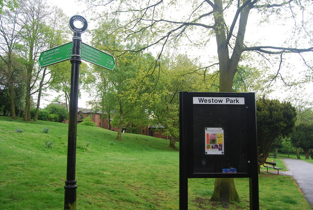 Capital Ring sign, Westow Park