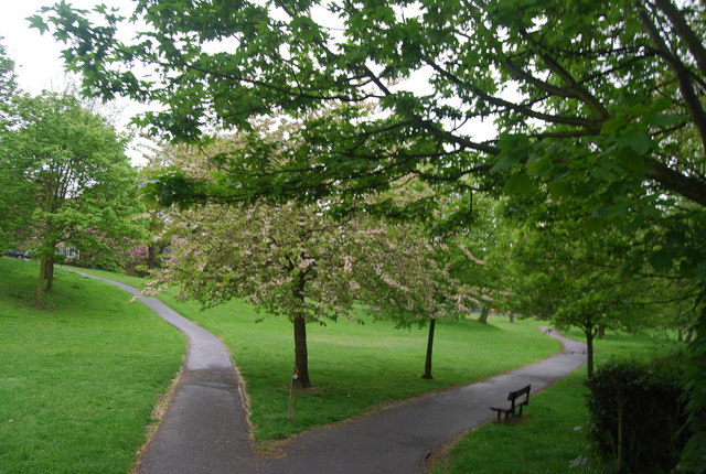 Capital Ring path, Westow Park