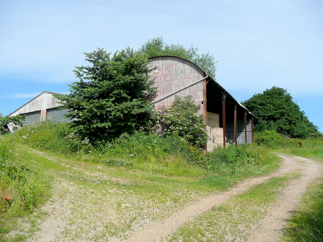 Barns near Bickerton Court 1