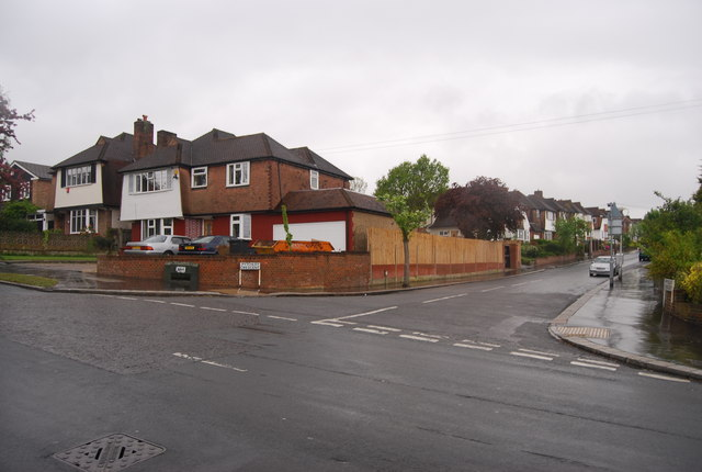 Pytchley Crescent off Hermitage Rd