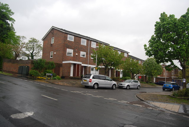 Flats, Founders Gardens off Hermitage Rd