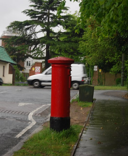 Postbox, Hermitage Rd