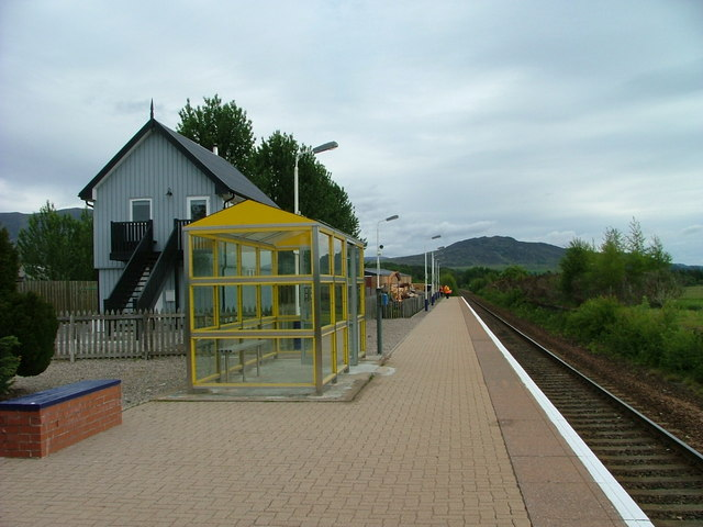 Platform at Newtonmore railway station