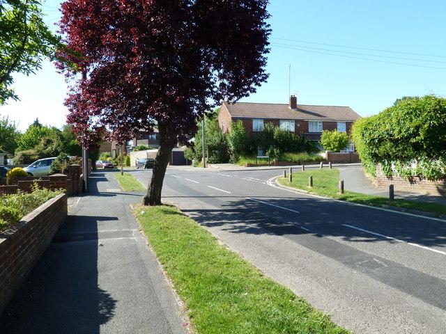 Approaching the junction of  Kentidge Road and Bursledon Road