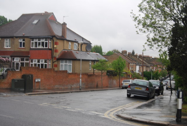 Queen Mary Rd off Beulah Hill (A215)