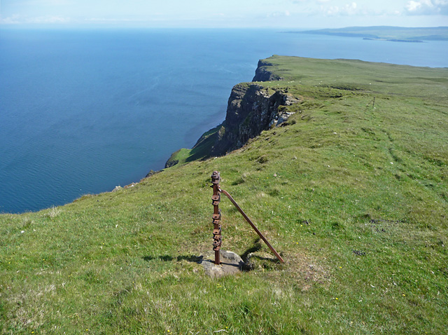 Towards Dunvegan Head