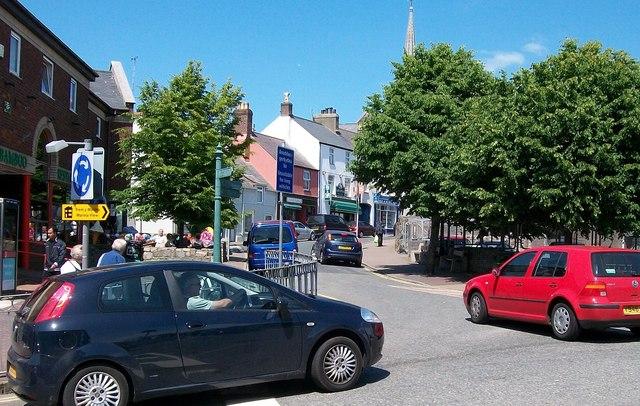 The lower end of Penlan Street from Lon Dywod