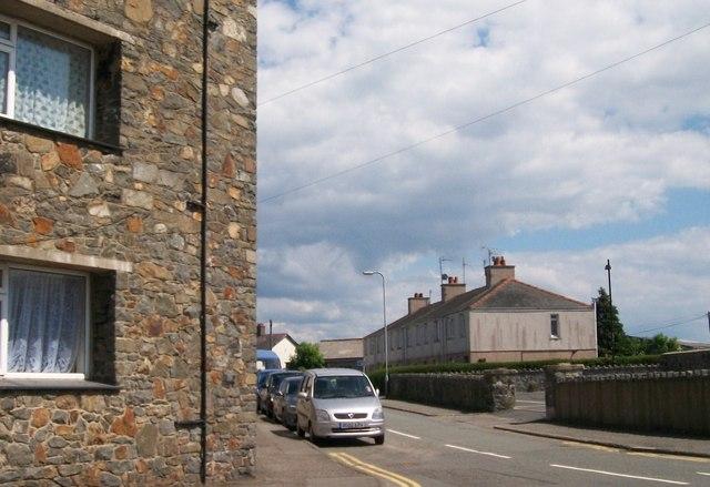 The western end of Ffordd y Maer