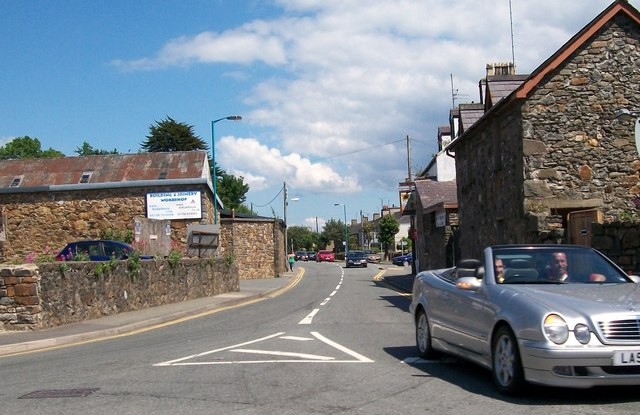 Junction of the Caernarfon Road (A499) and the Abererch Road (A497)
