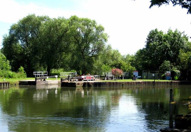 Pershore Lock on the River Avon