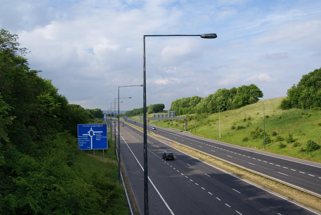 The A627M approaching Junction 20 on the M62