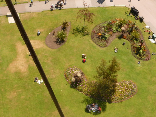 Bournemouth: new flowerbeds in the Lower Gardens