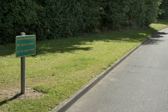 No tipping rubbish on the grass verge