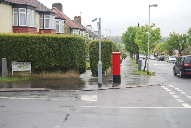 Postbox, junction off Covington Way and Horbury Hill