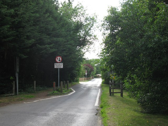 Pinch points in Pilcot Road