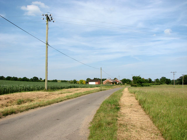 Rural lane from Cookley to Halesworth