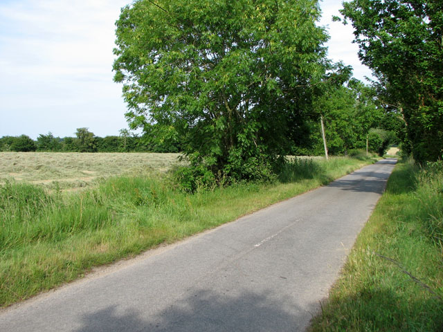 Rural lane north of Cookley Green