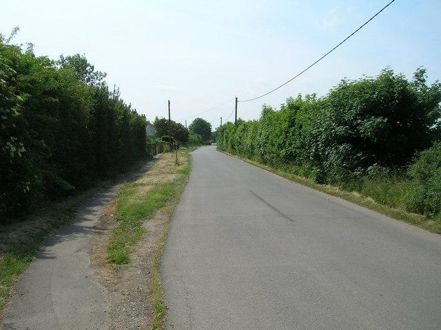 Station Road towards Ottringham