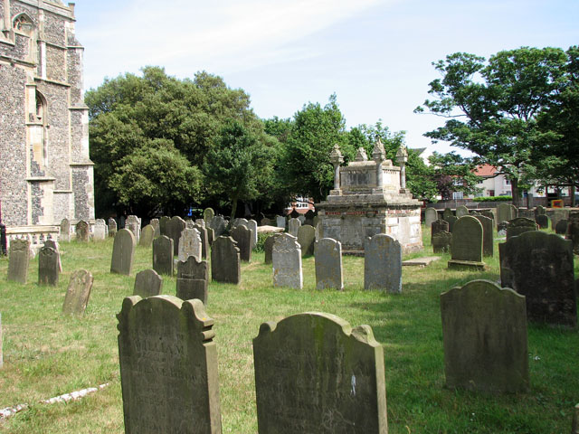 St Edmund's church in Southwold - churchyard