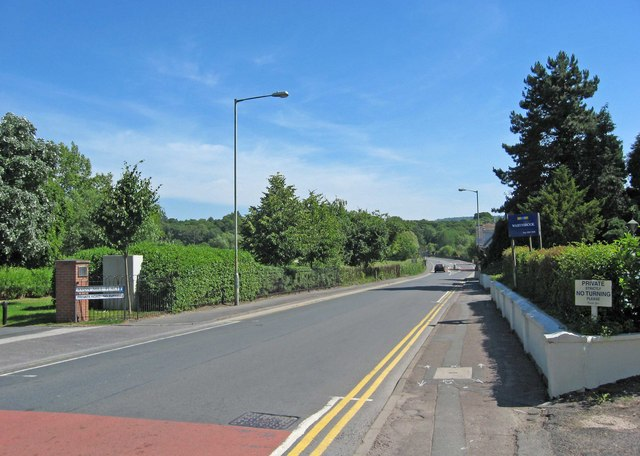 B4084 road leaving Pershore