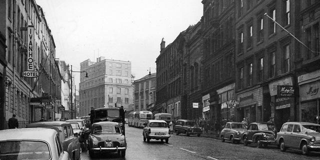 Buchanan Street, Glasgow: subway station entrance on right