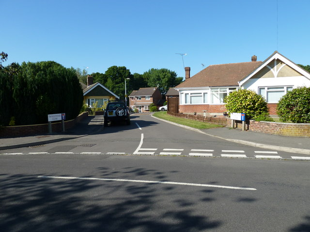 Looking from The Crescent into Tanglewood Close
