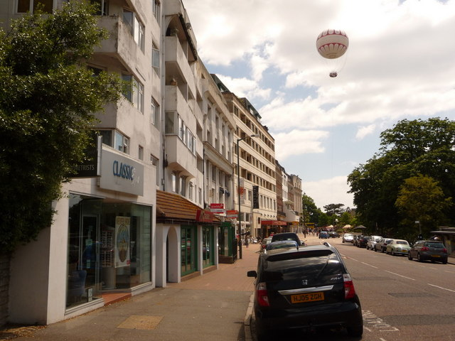 Bournemouth: Bourne Avenue and the balloon