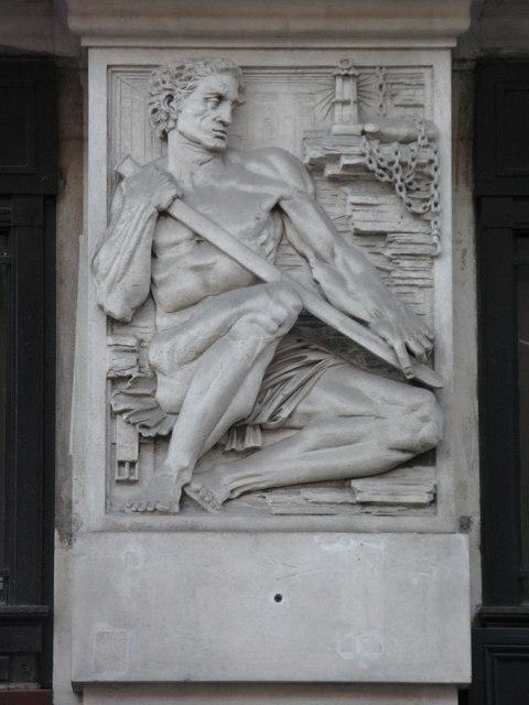 Bas relief panel on 19-21 Hatton Garden, EC1 (4)