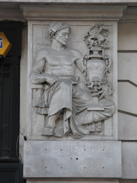 Bas relief panel on 19-21 Hatton Garden, EC1 (5)
