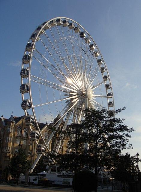 Sheffield's Wheel in the morning sunlight