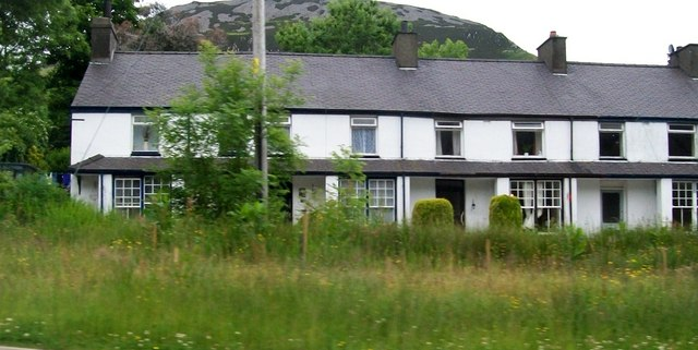 Brynffynnon - a terrace of Victorian houses