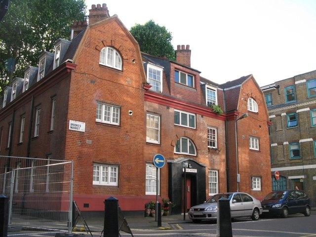 Cranley Buildings, Brooke's Market, EC1 (2)