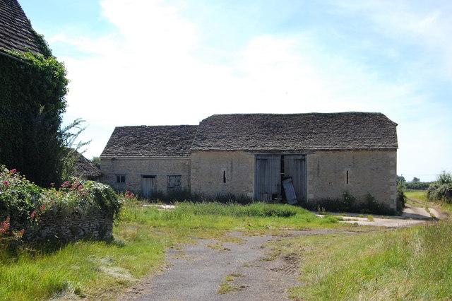 Derelict barn, Sutton Benger