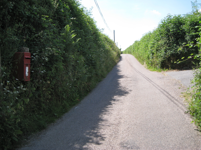 Long lane up to Whistley Hill Cross