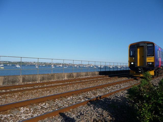 Starcross : Railway, Train & River Exe