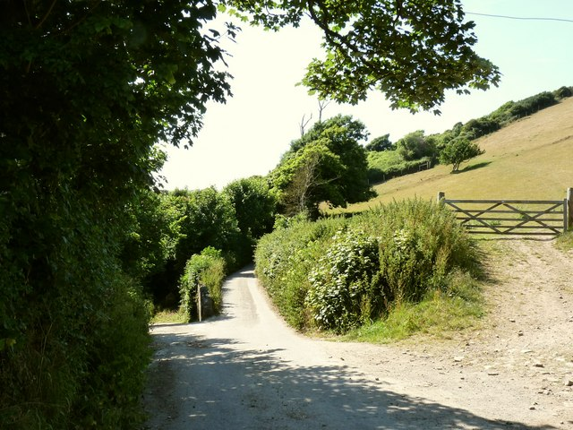 The road to Lobb and North Lobb at the entrance to Fairlinch Farm