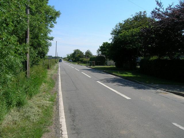Holmpton road towards Holmpton