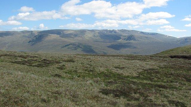 Summit plateau, Creag a'  Chail