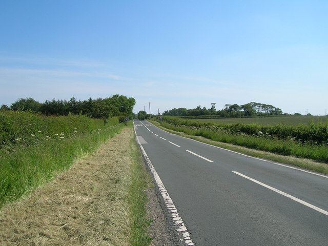 Withernsea Road towards Holmpton