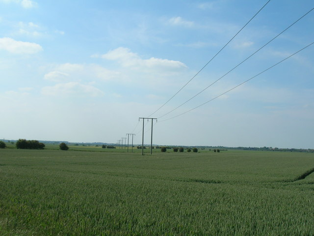 Farmland west of Holmpton