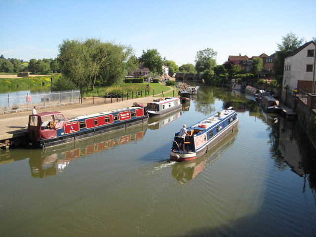 Narrowboats on the Mill Avon