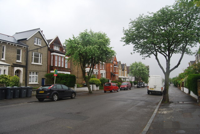Large Victorian / Edwardian houses, Lewin Rd