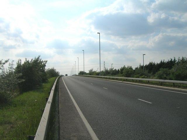 A1033 towards Hull at Salt End