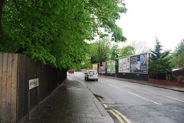 Mitcham Lane (A216)