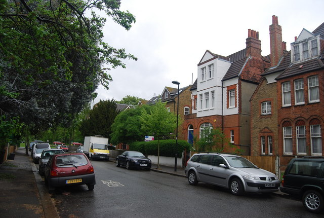 Houses on Riggindale Rd
