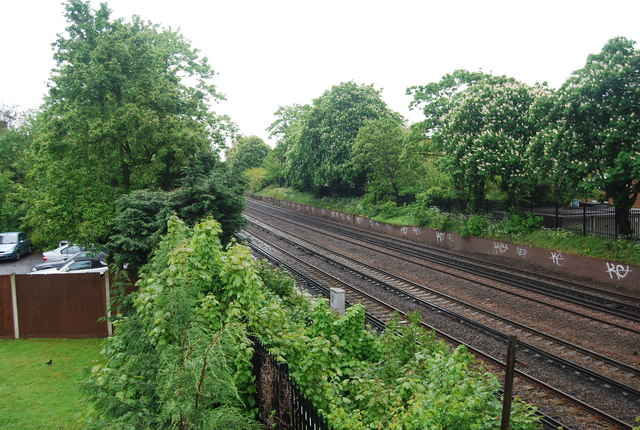 Railway line south, Tooting Bec Rd